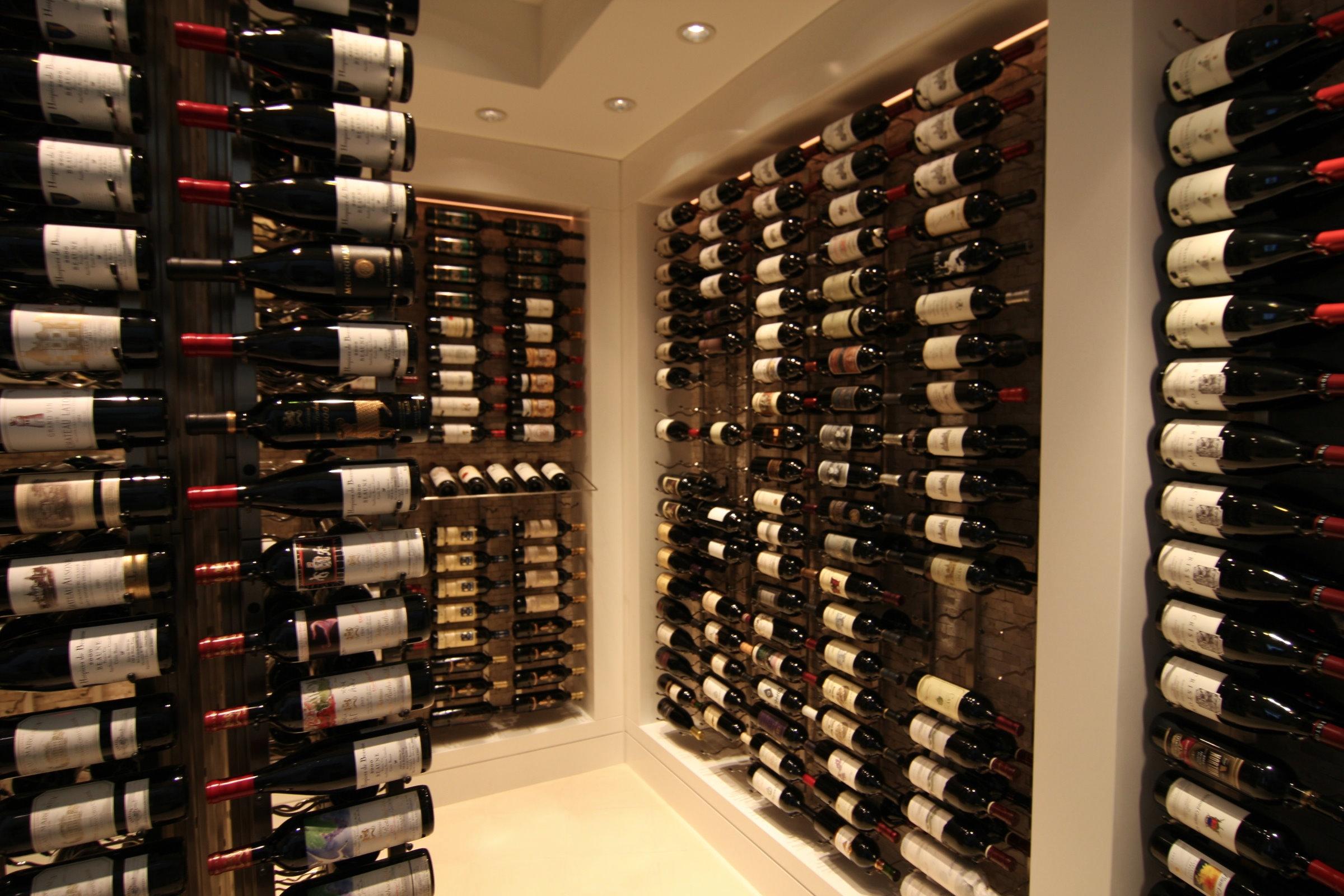 Modern wall wine